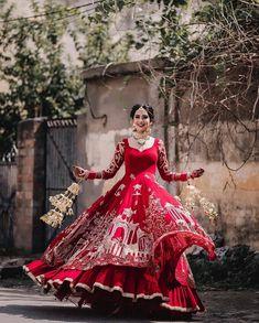 Asian Wedding Dress Pakistani, Beautiful Pakistani Dresses, Indian Bridal Outfits, Indian Bridal Wear, Pakistani Dress Design, Indian Designer Outfits, Punjabi Wedding, Sikh Wedding Dress, Wedding Lehanga