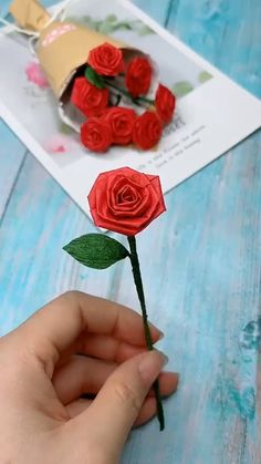 DIY Valentine's Day Rose Flower Bouquet - Gül buketi yapımı 🌹💐 You are in the right place about diy Here we offer you the most beaut - Cool Paper Crafts, Paper Flowers Craft, Paper Crafts Origami, Flower Crafts, Crafts With Flowers, Diy Crafts Hacks, Diy Crafts For Gifts, Diy Arts And Crafts, Creative Crafts