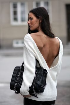 sweater white open back quilted bag backless sweater sexy sweater black bag… Passion For Fashion, Love Fashion, Womens Fashion, Style Fashion, White Fashion, Fashion Clothes, Fashion Ideas, Fashion 2014, Trending Fashion