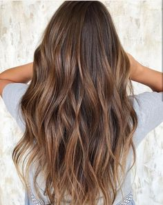 Pin by ashlyn on hair ideas in 2019 Brown Hair Balayage, Brown Blonde Hair, Hair Color Balayage, Brunette Hair, Ombre Hair, Dark Hair, Black Hair Dyed Brown, Balayage Hair Caramel, Hair Color And Cut