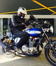 Austrialian Yamaha XJR Press Launch.