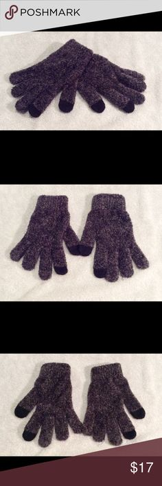 Gray speckled smart phone gloves NWOT. Too big for my tiny hands. Very soft! Price is firm unless bundled Accessories Gloves & Mittens
