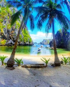 El Nido Palawan Add us on Snapchat : TravelAwesome  The Philippines. By @warrencamitan by travelawesome
