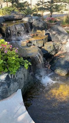 Outdoor Water Features, Water Features In The Garden, Small Backyard Landscaping, Backyard Pools, Backyard Ideas, Fish Ponds Backyard, Backyard Waterfalls, Water Pond, Water Garden