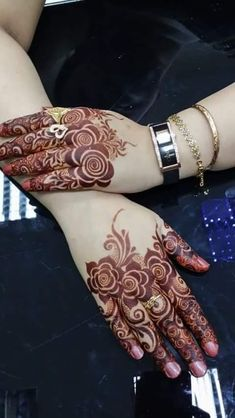 Explore latest Mehndi Designs images in 2019 on Happy Shappy. Mehendi design is also known as the heena design or henna patterns worldwide. We are here with the best mehndi designs images from worldwide. Finger Mehendi Designs, Rose Mehndi Designs, Arabic Henna Designs, Stylish Mehndi Designs, Mehndi Design Photos, Wedding Mehndi Designs, Mehndi Designs For Fingers, Beautiful Henna Designs, Latest Mehndi Designs