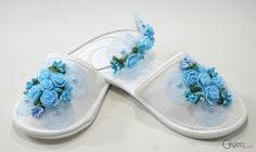 Lohusa Terlik Taç Set Mavi Rengi İle Erkek Bebekler İçin Tercih Edebilirsiniz. Kapıda Ödeme İmkanı İle Ceyizci.com'da. Tıkla Satın Al! Lohusa Terlik Taç Set Erkek Bebek Annesi İçin Mavi ,