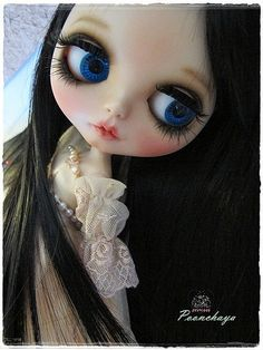 Veva2 by Poonchaya. One of the best Blythes I've seen In a while~