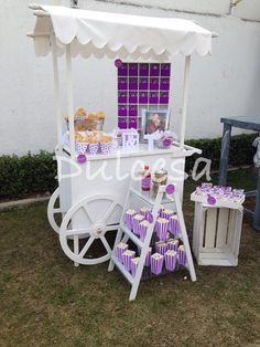 Mesa de dulces/ carreta/ morado/ lila/ despedida de soltera/ boda