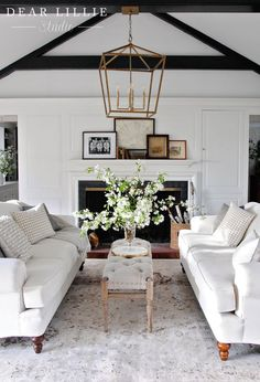Either if you prefer minimalist, vintage or romantic style, white is always a good choice to your home interior décor! Here you have the perfect white inspiration to give a special summer touch to your home interior design. Farmhouse Decor Living Room, Room Design, Interior, Modern Farmhouse Living Room Decor, Home, Room Inspiration, House Interior, Interior Design, Living Decor