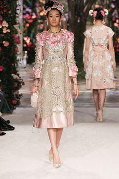 Dolce & Gabbana Alta Moda Spring 2017 Tokyo