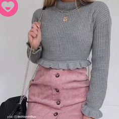 #dailyfashion Outfits Dia, Grunge Outfits, Casual Outfits, Fashion Videos, Sport Chic, Outfit Combinations, Jeans Style, Trending Outfits, Modest Fashion