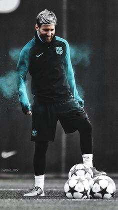 Top 10 Best performances of Lionel Messi. Lionel Messi, 6 times Ballon D'or winner , is undoubtedly the best Footballer on Earth. Messi 10, Lional Messi, Messi Vs Ronaldo, Messi Fans, Cristiano Ronaldo, Ronaldo Real, Barcelona Fc, Lionel Messi Barcelona, Barcelona Soccer