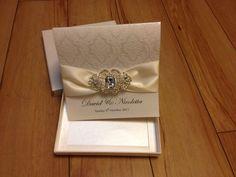 Rhinestone Brooch Wedding Invitations With A Paper Box