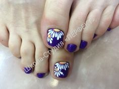 Pedicure colors gel 59 New Ideas Flower Pedicure Designs, Diy Nail Designs, Pedicure Nail Art, Toe Nail Art, Pedicure Colors, Nailart, Feet Nail Design, Queen Nails, Summer Toe Nails