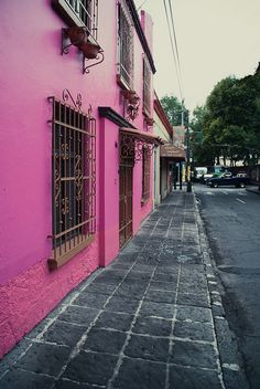 The colours of Coyoacán by Choollus, via Flickr