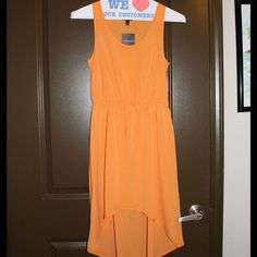 TOPSHOP NWT High Low Dress! Gathered Waist Dip Hem Dress. Brand new. Never worn. US size 4. Topshop Dresses High Low