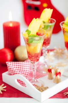 Mónica López: Macedonia de frutas al cava / Fruit salad with champagne