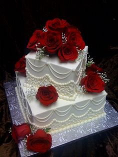 Simple Two Tier Wedding Cakes With Fresh Flowers Simple Tier