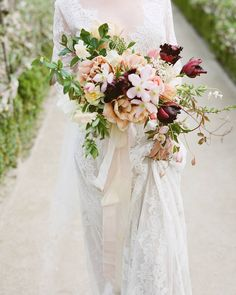 WEBSTA @ thegardengateflowerco - Announcing a new workshop! Our wedding intensive collaborative class with will be April Bride Bouquets, Bridesmaid Bouquet, Fall Bouquets, Flower Bouquets, Bridesmaids, Winter Wedding Flowers, Floral Wedding, Burgundy Wedding, Fall Flowers
