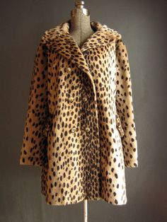 1960s cheetah print coat... So beautiful. I love vintage clothes, especially my new love and obsession for cheetah print and the color red/pink! <3