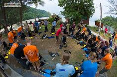 PADI IDC Staff Instructor Tim demonstrates to the crowd of adventurers' participating in the PAID Open Water Diver course a very important skill: Equipment Assembly! ;-p