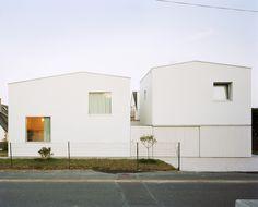2 Houses & 2 Studios by RAUM