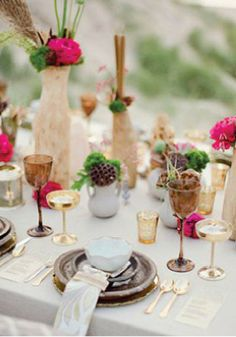 Get inspired to throw a Moroccan-style summer bash ...♥♥... and create this inviting table setting!