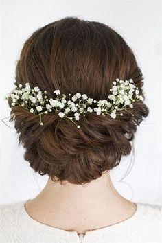 Brudeslør blomster i håret