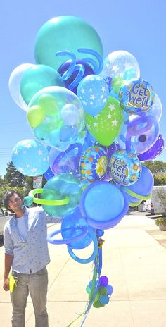 World's Best Bouquets — World's Best Balloons Yellow Balloons, Big Balloons, Birthday Balloons, It's Your Birthday, Birthday Presents, Happy Birthday, Balloon Bouquet, Balloon Garland, Baby Shower Bouquet