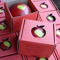 This is sooooo cool! Put a sticker on your apples while they are still green on the tree. As they ripen, the part under the sticker stays green and you have a custom stenciled apple.~fun with our apple tree~ Custom Stencils, Festa Party, Idee Diy, Apple Tree, Wedding Favors, Wedding Blog, Projects To Try, Diy Crafts, Product Design