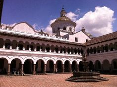 Old Town: Courtyard in La Merced church. Quito, Ecuador