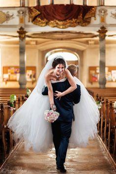 Anfragen für Hochzeitsfotografie gerne über das Kontaktformular meiner Homepage. Photography, Wedding, Fashion, Wedding Photography, Valentines Day Weddings, Moda, Photograph, Fashion Styles, Fotografie