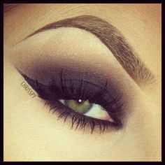 #chrisspy Samba Makeup smoky eye