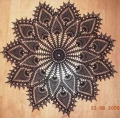 Free Pattern - crochet pineapple doily: