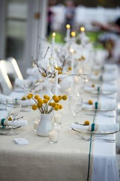 Love the light colored modern Thanksgiving table, the yellow and teal accents are stunning! Thanksgiving Wedding, Thanksgiving Table, Thanksgiving Decorations, Table Decorations, Tables Tableaux, White Table Top, Teal Accents, Burlap Table Runners, Modern Table