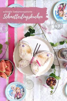 Schmetterlingskuchen Rezept - schneller Geburtstagskuchen: Der Schmetterling Kuchen ist nicht nur einfach und schnell gemacht, sondern ist auch der perfekte Mädchengeburtstag Kuchen. Er passt zu einem Feengeburtstag genauso wie zu einem Schmetterlingsgeburtstag. Camembert Cheese, Food, Amazing Cakes, Kid Cooking, Homemade Invitations, Vegan Recipes For Kids, Meal, Essen, Hoods
