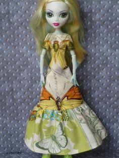 Dress for Monster High doll por Kosucas en Etsy, €6.50