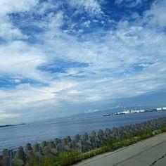 【rhcp0228】さんのInstagramをピンしています。 《すっかり秋空~ * #sky #clouds #そら #空 #雲 #海  #sea  #osaka #空色lover #いまそら #イマソラ #写真撮ってる人と繋がりたい #写真好きな人と繋がりたい #堺浜》