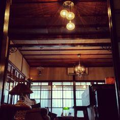 大正ロマンに憧れて/アイアンブラケット…などのインテリア実例 - 2015-11-06 13:13:46 Japanese Bar, Japanese House, Japanese Architecture, Interior Architecture, Taisho Era, Japanese Interior, Best Memories, House Rooms, Track Lighting