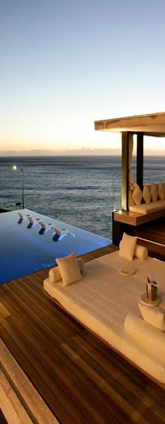 Mwanzoleo luxury rental in Cape Town, South Africa.