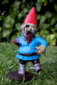 Garden Gnomes As Flesh-Eating Zombies