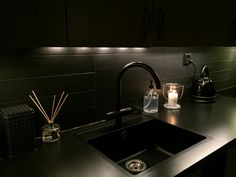 Kitchen, Kök Black sink, Black countertop, Black tap, Black tile