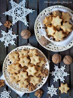 Ořechové cukroví - vykrajované Xmas Cookies, Christmas Sweets, Dairy, Pie, Cheese, Food, Advent, Winter, Decor