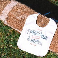 Attention, bébé vous surveille ! Book Instagram, Attention, Reusable Tote Bags, Messages, Text Posts, Text Conversations