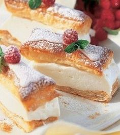 An easy version of Hungarian Cremeschnitte, cream filled pastry - Vanilla Pudding Filling: 2 ½ cup milk 5 oz granulated sugar 2 vanilla instant pudding mixes 2 large eggs vanilla sugar 1 Tbsp rum 9 ½ oz softened unsalted butter German Desserts, Brownie Desserts, Just Desserts, Delicious Desserts, Dessert Recipes, Yummy Food, German Recipes, Other Recipes, Sweet Recipes