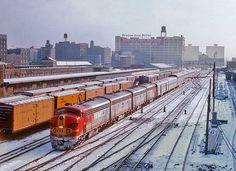 Santa Fe passenger train heading into Dearborn Station, Chicago, Illinois. Note by G. Reichel.