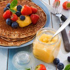 Lemon curd eli sitruunatahna | K-ruoka  Sitruunatahna sopii käytettäväksi hillojen tapaan esimerkiksi lettujen päällä tai paahtoleivän levitteenä. #vappu
