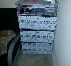 Carton Dresser