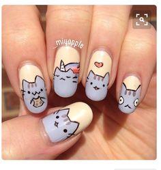 Pusheen the cat nail art Nail Art Totoro, Cat Nail Art, Cat Nails, Emoji Nails, Fancy Nails, Love Nails, Pretty Nails, Kawaii Nails, Manicure E Pedicure