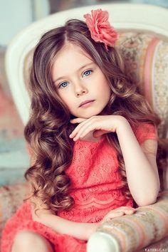 Фотосессия для девочек в студии и на природе. Фотограф Катрин Белоцерковская   Детский фотограф Катрин Белоцерковская · Москва